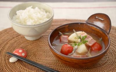 長芋とトマトの煮干し味噌汁