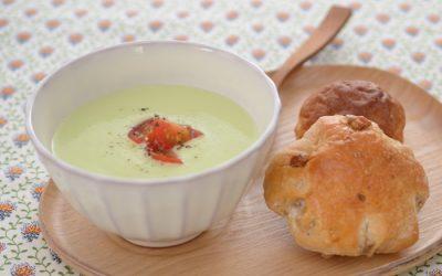 アボカドと豆腐の冷たいスープ