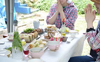 夏野菜を収穫し味わう、極上の農園ピクニック